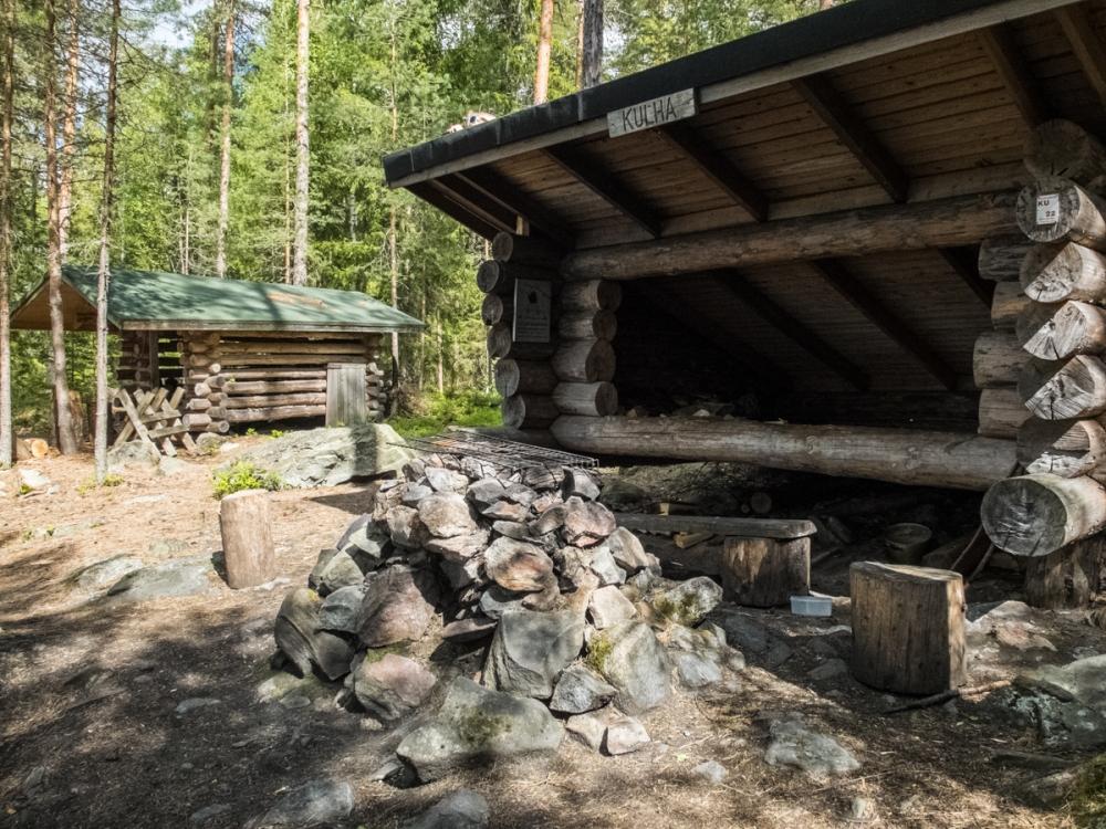 Kulha lean-to shelter
