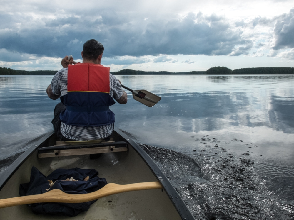 Paddling back to Vohla with mushrooms